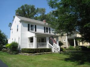 540 E. Dunedin Road, Columbus, Ohio 43214 - Charming Clintonville Home